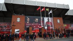 Formacionet zyrtare: Liverpool – United
