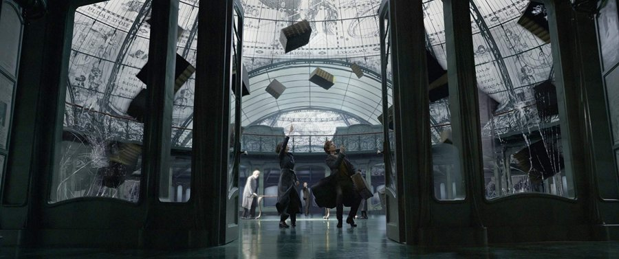 """Fantastic Beasts: The Crimes of Grindelwald"" si univers paralel"