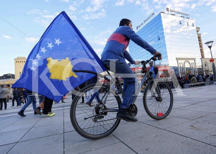 Vuçiq përballet me realitetin: Perëndimi qëndron fuqishëm prapa pavarësisë së Kosovës   Gazeta Express