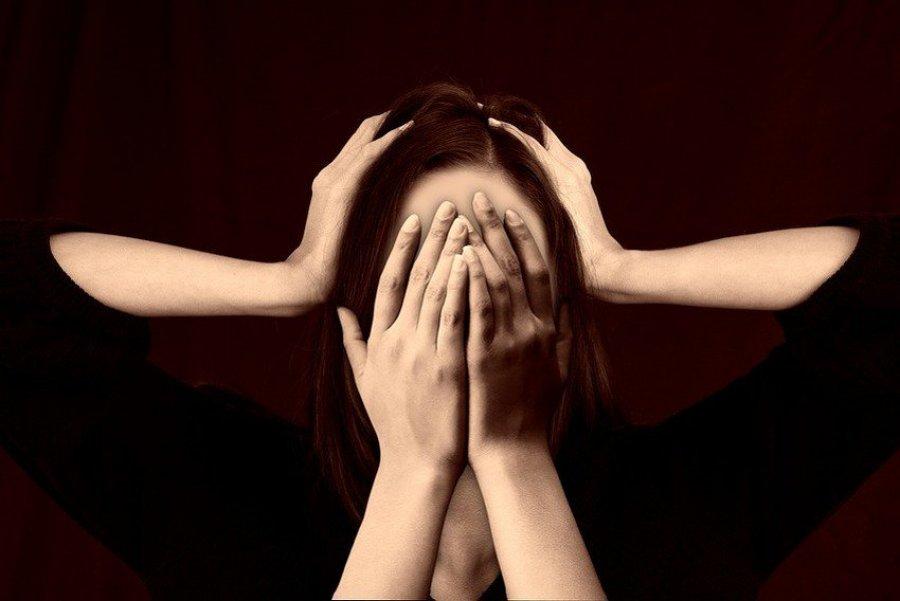 Studimet zbulojnë që migrena lidhet me sëmundjet e zemrës