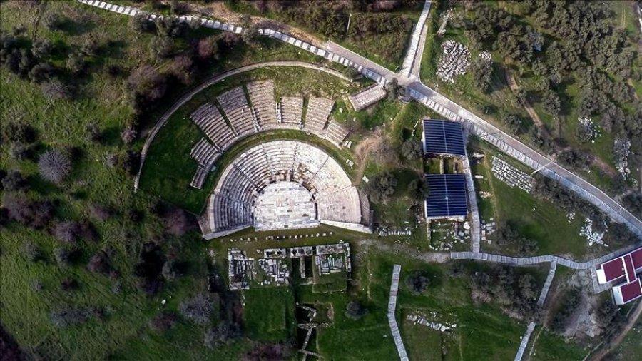 """Në Turqi, zbulohen """"dhomat varre"""", rreth 2.000 vjet të vjetra"""