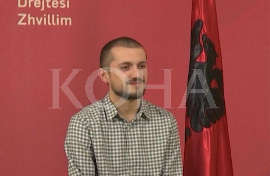 Asamblisti i VV së merr përgjegjësinë për largimin e flamujve nga sheshi  Zahir Pajaziti