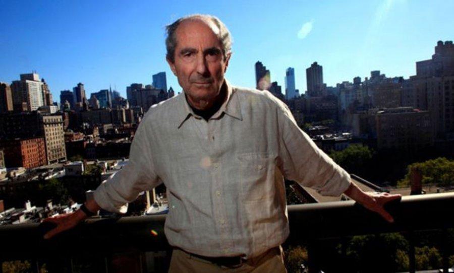 """Shuhet në moshën 85-vjeçare Philip Roth, autor i """"Ankimit të Portnoit"""""""