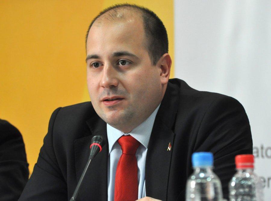 Kozarev: Institucionet e Serbisë janë në Kosovë, po ndërtohet Lugina e Diellit